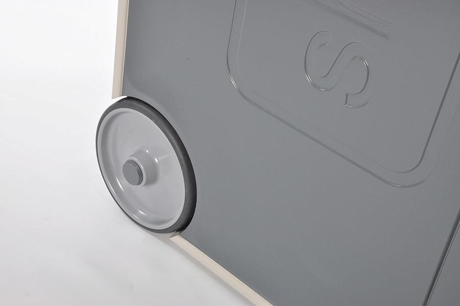 Vacuum formed panels